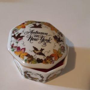 Franklin Porcelain Tiny Music Box